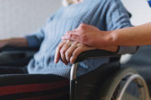 уход и присмотр, реабилитация после инсульта, восстановление после перелома шейки бедра, дом престарелых, гериатрическая клиника, болезнь Альцгеймера