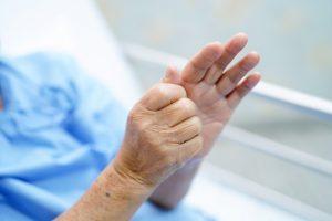консервативное лечение при синдроме Паркинсона, реабилитация после инсульта, гериатрическая клиника, дом престарелых, болезнь Альцгеймера, неврология
