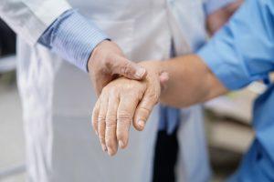 гомеопатия, физиотерапия, гериатрическая клиника Украина, дом престарелых, реабилитация после перелома шейки бедра